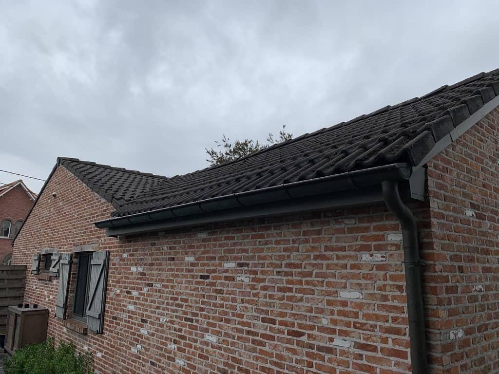 Staat van dak in Pulle voor renovatie