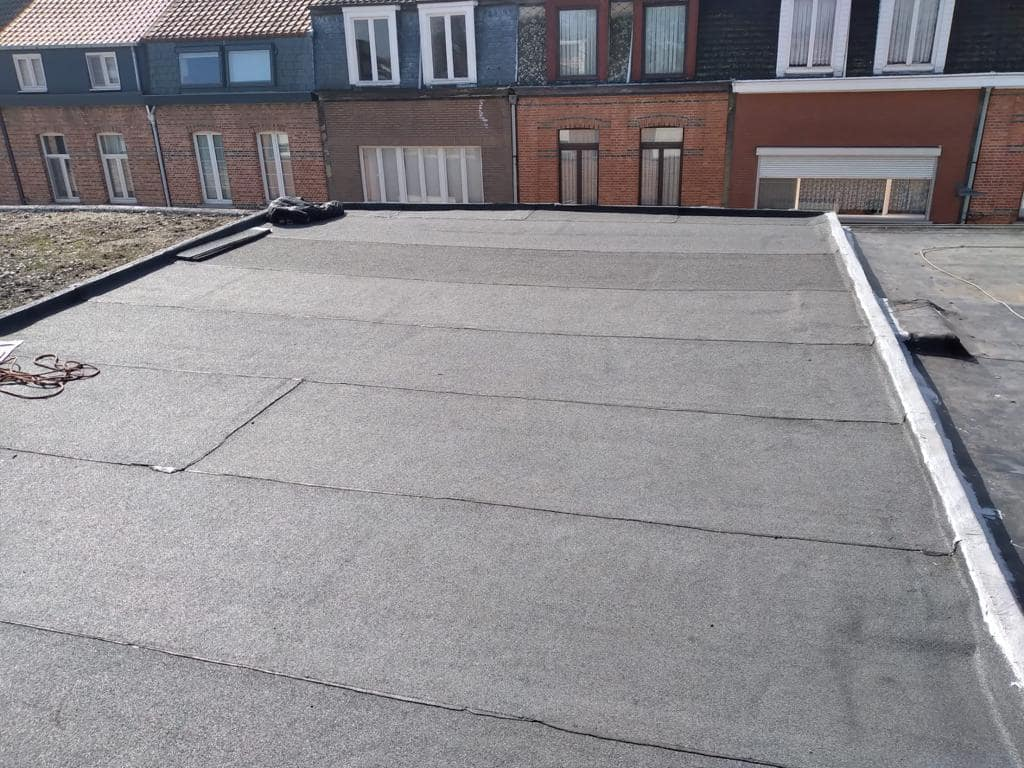 Gerenoveerd plat dak Dural Bouwgroep