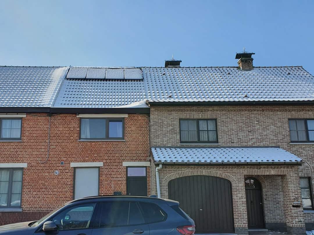 Foto 3 van dak na installatie zonnepanelen Lokeren