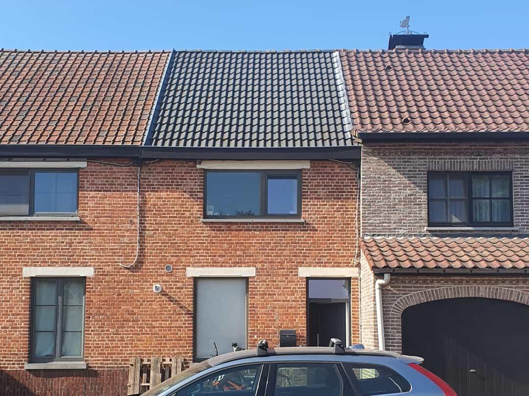 Foto 2 van dak voor installatie zonnepanelen Lokeren