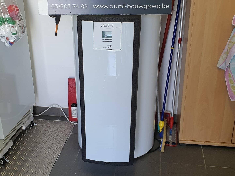 De nieuwe warmwaterboiler voor zonneboiler in Herenthout