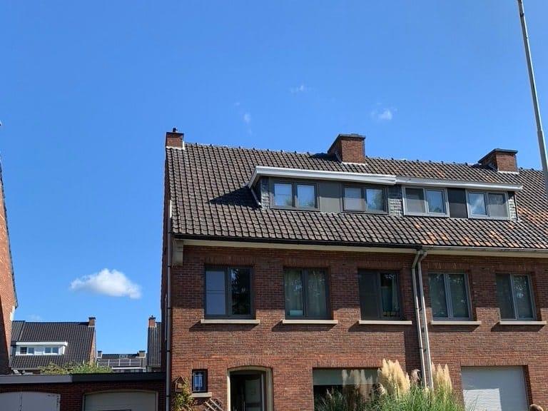 Te renoveren hellend dak