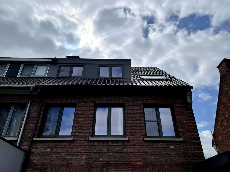 Gerenoveerd hellend dak in Ekeren