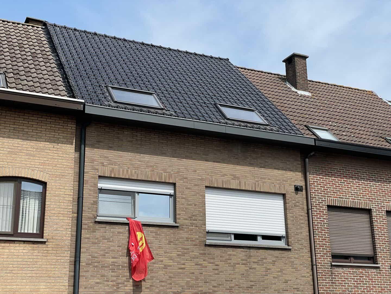 Gerenoveerd hellend dak in Stabroek